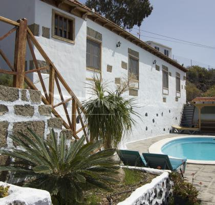 Holiday Cottage Las Dulces- La Cuadra in Tenerife Guia de Isora